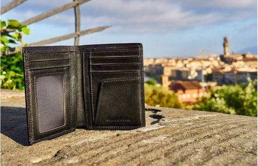 black wallet Mirela man