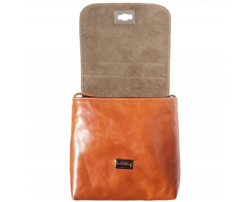 tan messenger Ecaterina woman